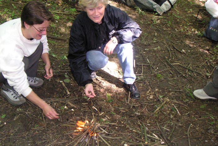 Vivre la Forêt - allumage de feu ©Sylvain Thomassin