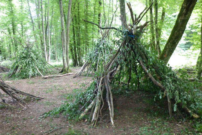 Vivre la Forêt - construction de cabanes ©Sylvain Thomassin